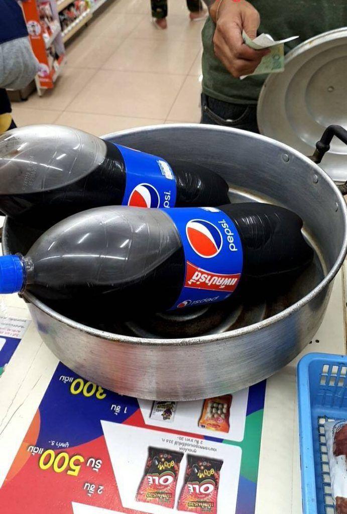 Tailandia prohibido el uso de plástico - una olla para llevar la gaseosa